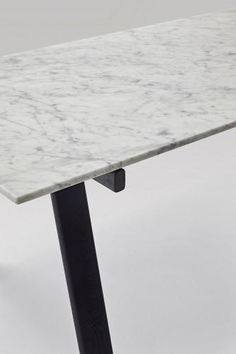 2322_marmo Carrara-cavalletto nero-2