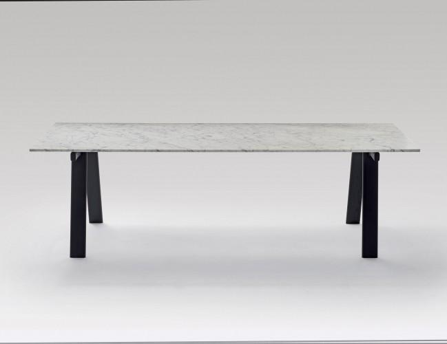 2322_marmo Carrara-cavalletto nero